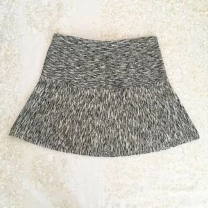 ✨ Theory Skirt Knit A Line Black White Wool M